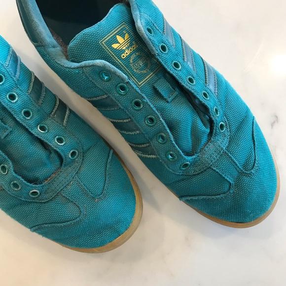 $45 ⬇️ [adidas] Worn • Original GORE TEX Sneaker